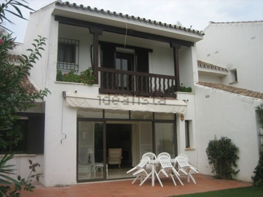 Townhouse for long term rental in Las Lomas, Sotogrande costa