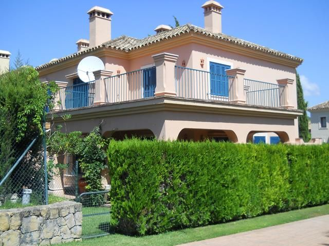 Nice semi-detached house located in Sotogrande costa.