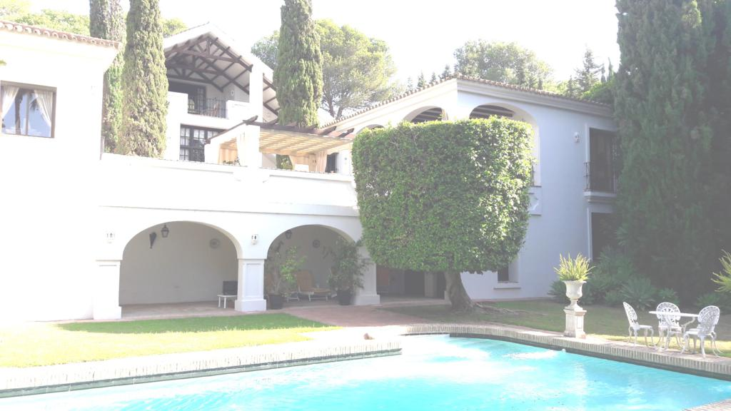 Beautiful andalucian style villa in Sotogrande alto for sale