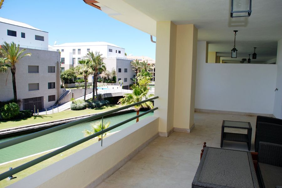 Nice 3 bedroom apartment for sale in Sotogrande marina.