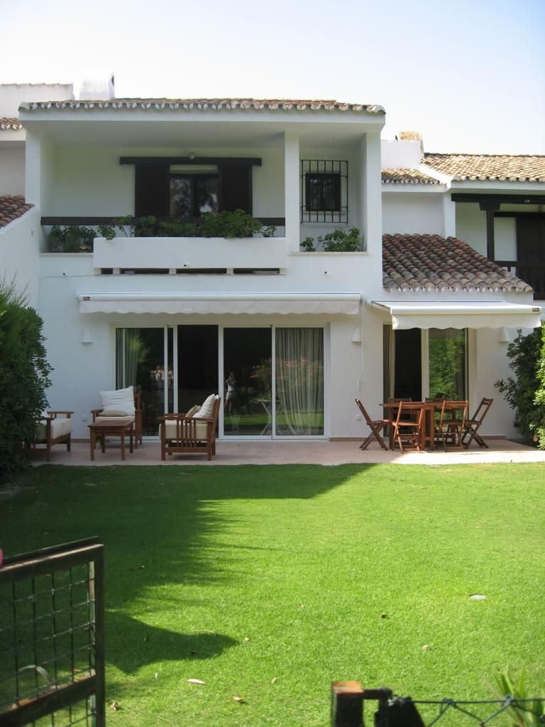 Nice townhouse for rent in Sotogrande costa
