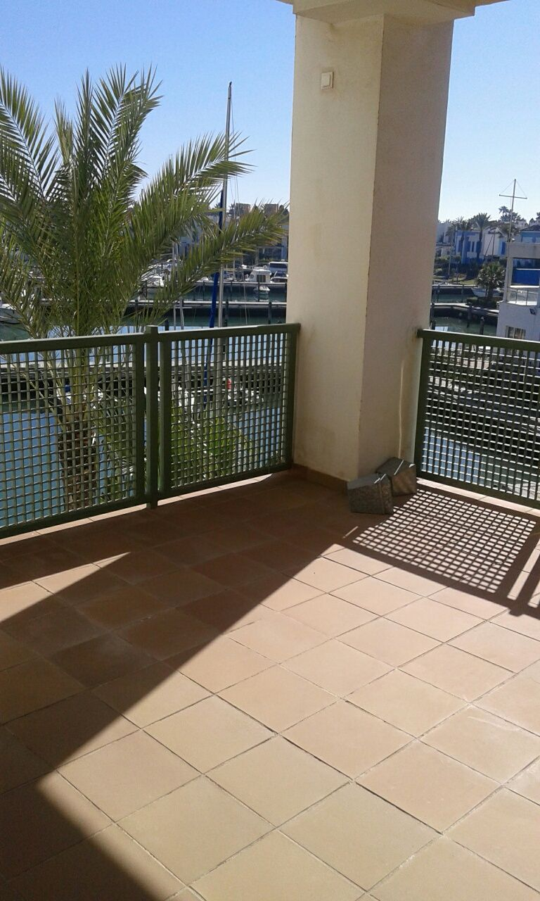 3 bedroom apartment available for long term rental in Sotogrande marina