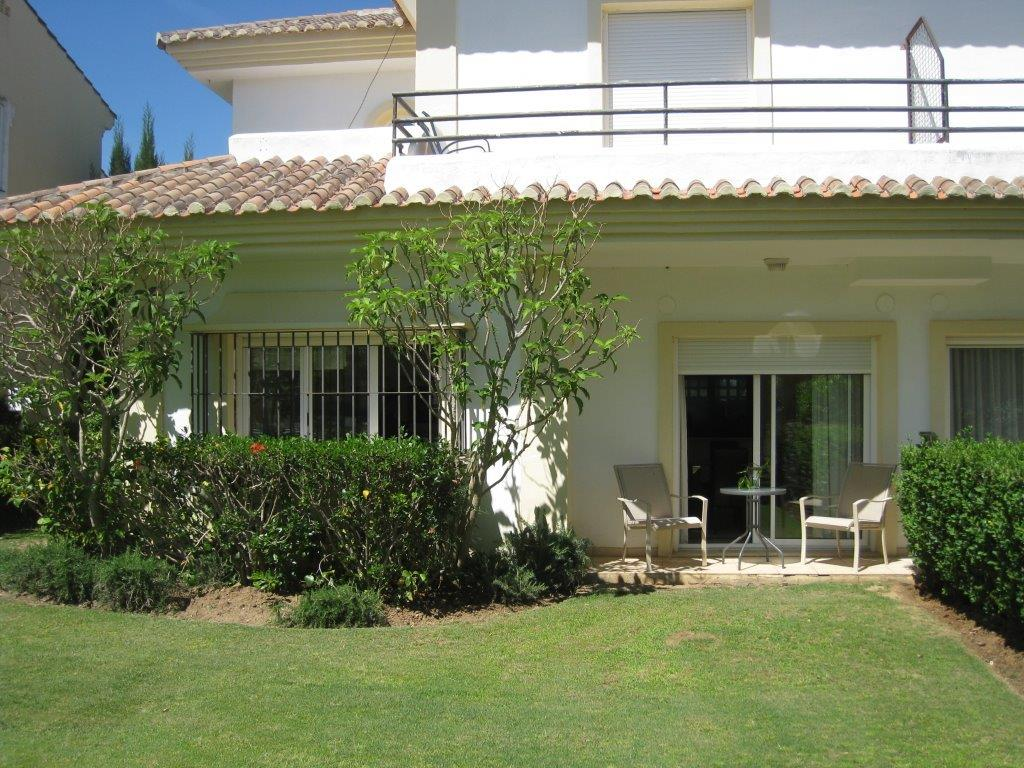 Fantastic townhouse in San Roque club